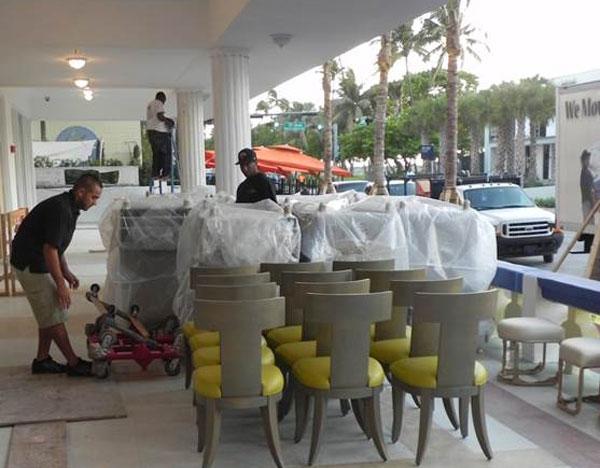 hotel-unloading